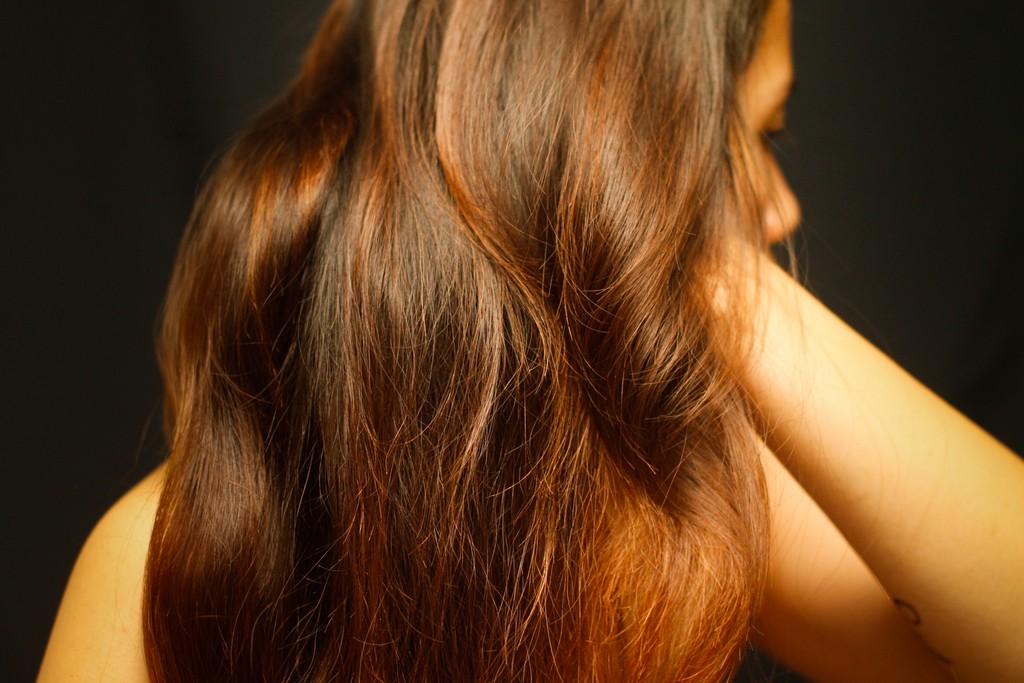 Scrunch_Thin_Hair_in_30_Minutes_Step_4.jpg