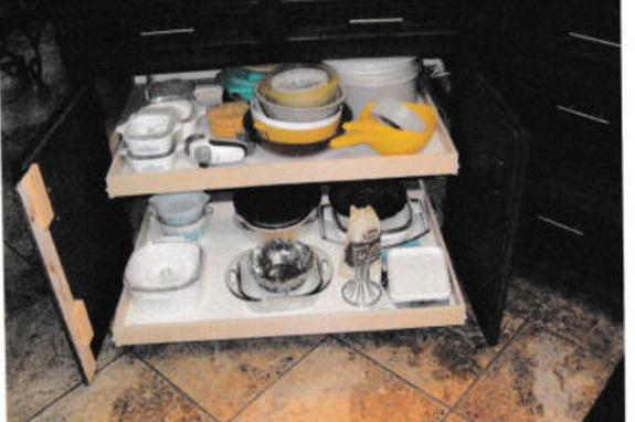 kitchen shelves.png